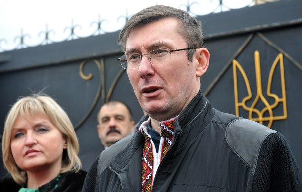 Ukrainian former Interior Minister Yuriy Lutsenko speaks after his release from prison on April 7, 2013. Now an aide to President Petro Poroshenko, he said on a Facebook post that five NATO members states, including the United States, have agreed to supply Ukraine with weapons and military advisers.