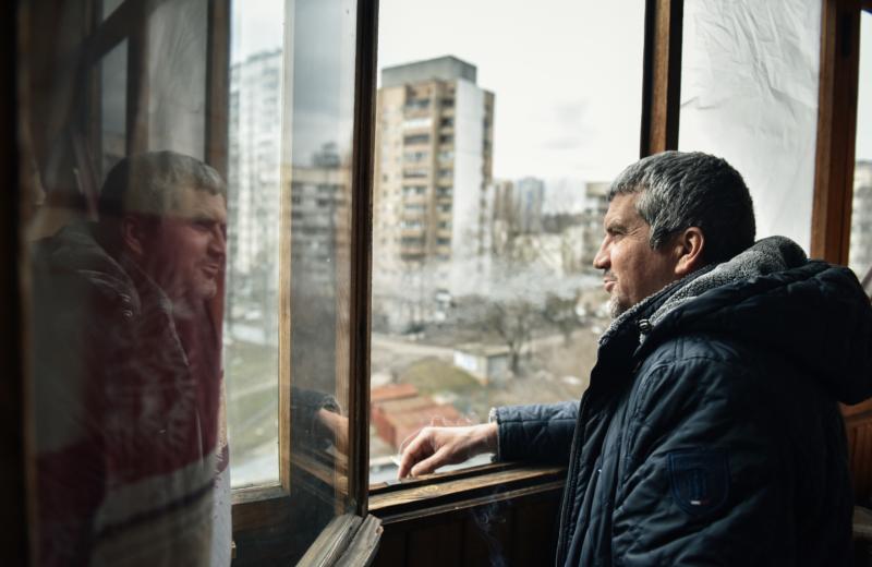 Александр Федорченко, в своей квартире в Киеве.Фото Kiev Post (Олег Петрасюк).