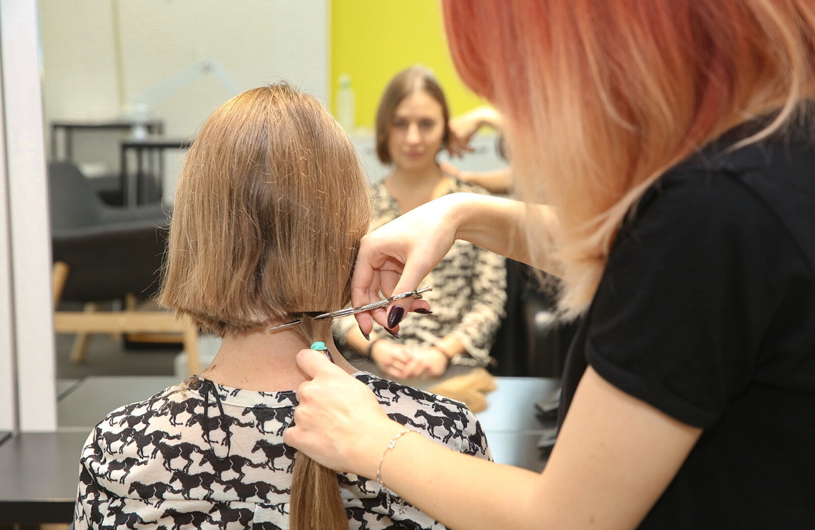 hair for share urges people to cut hair, makes wigs for